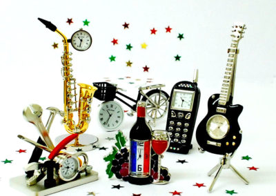 Novelty miniature clocks