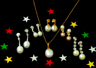 pearl earrings and pendant